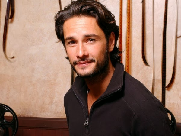 http://tech786.dailypix.me/12-hottest-actors-who-need-starring-roles