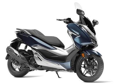Honda Forza 300 2018 atau Forza 250 warna biru silver
