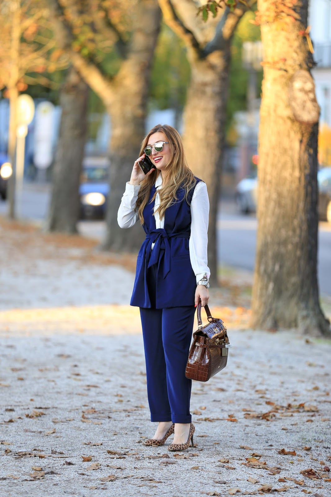 Business Look - Olivia Palermo Style - Acatel Pop 4 S Handy- Dior Sonnenbrille