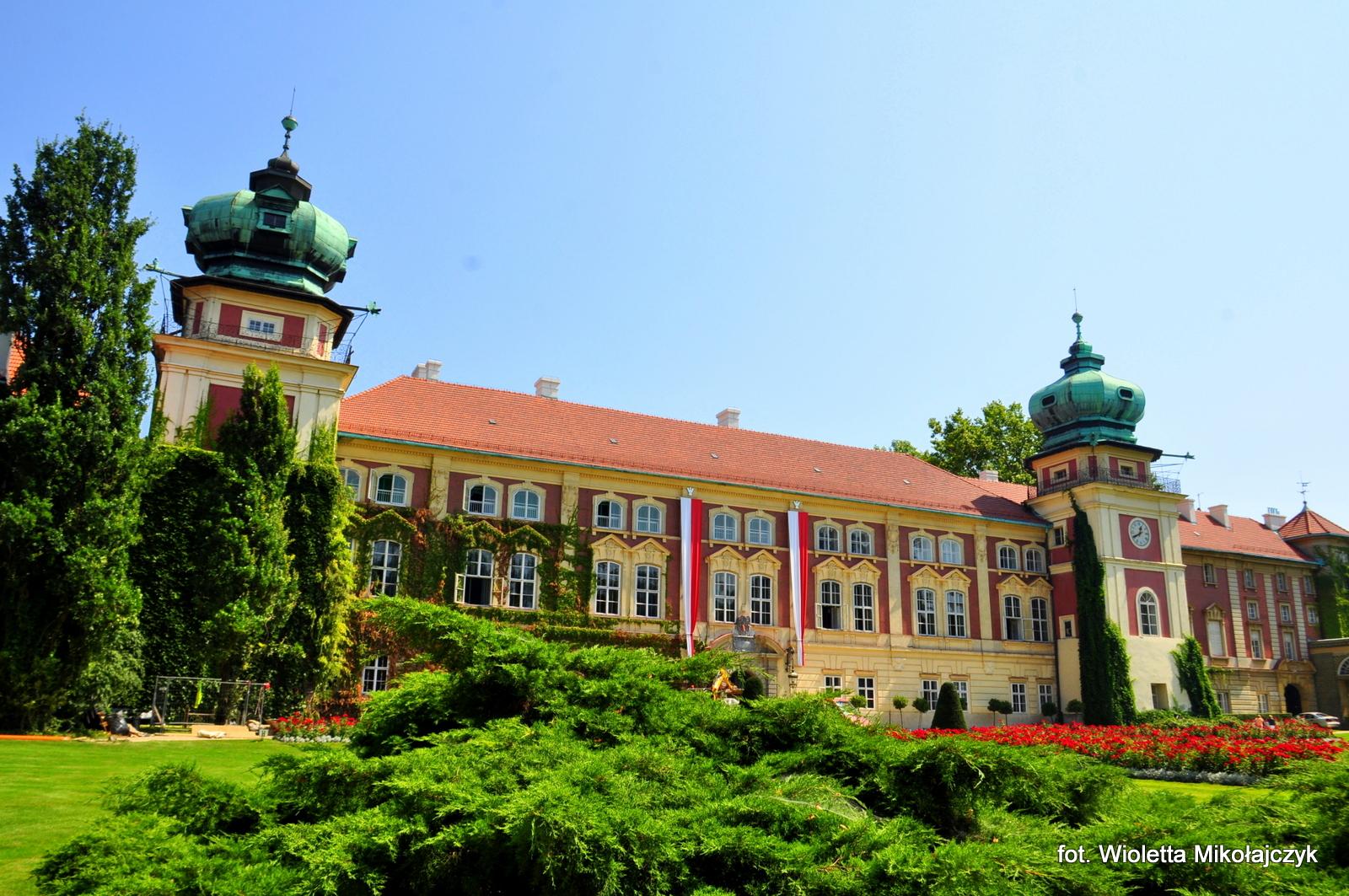 Zamek w Łańcucie - mały Wersal?