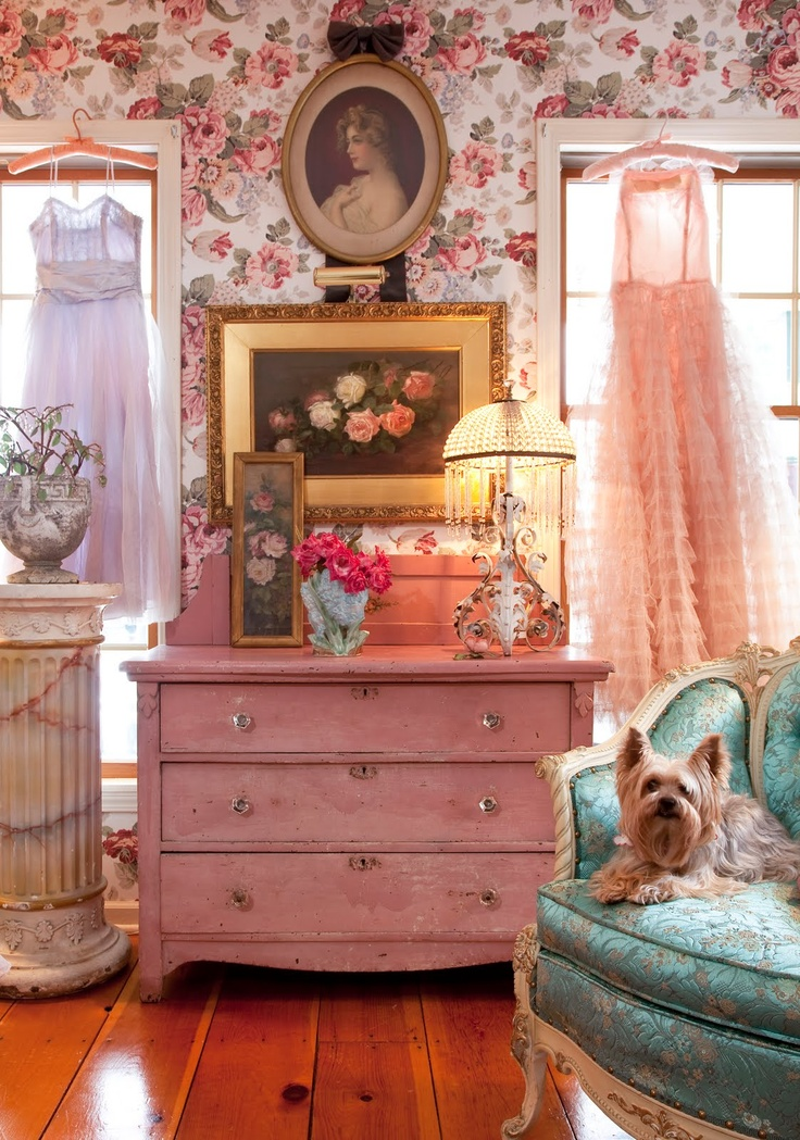 Chic Living Room: Lady Anne's Cottage: More Charming Painted Furniture
