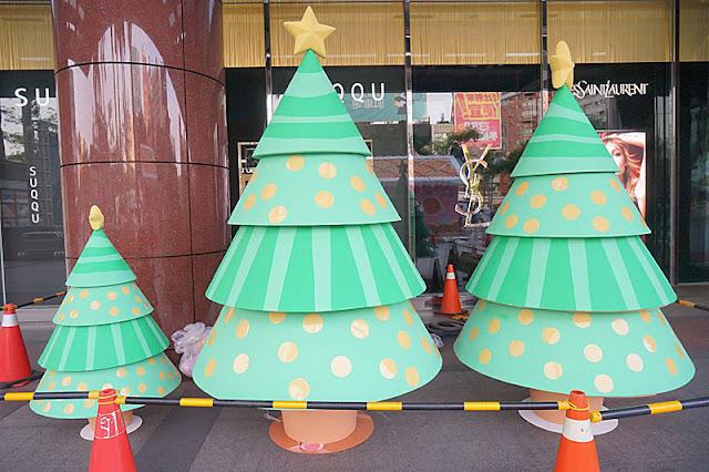 DSC08316 - 台中聖誕節活動│小丸子 hello kitty摩天輪與聖誕村造景就在台中新光三越搶先看