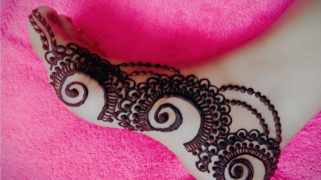 mehendi designs for feet