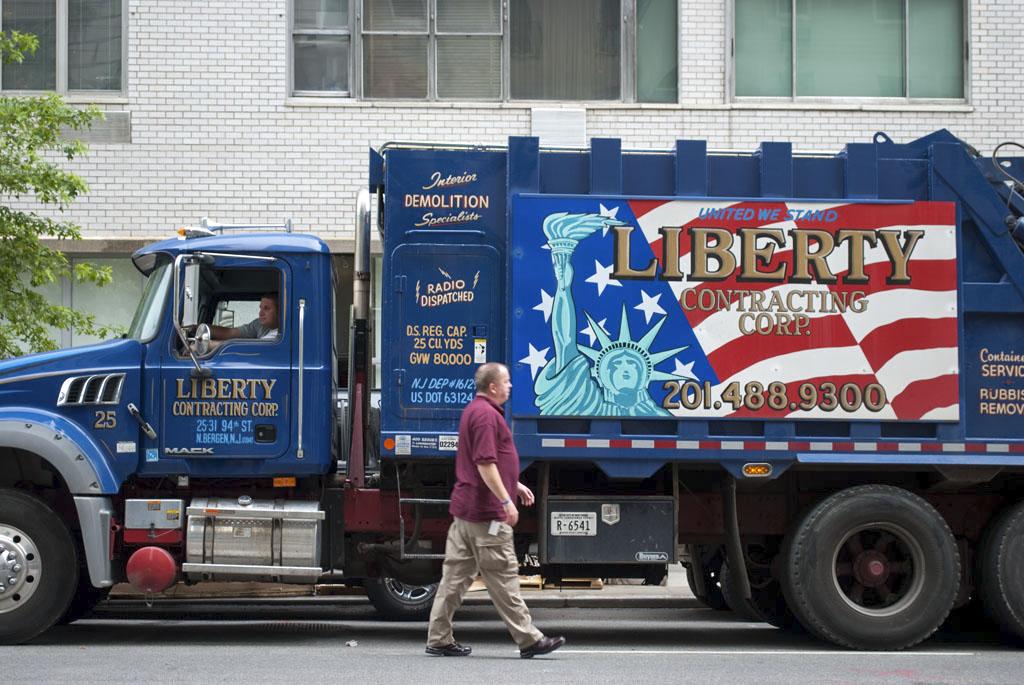 liberty truck nyc street photography