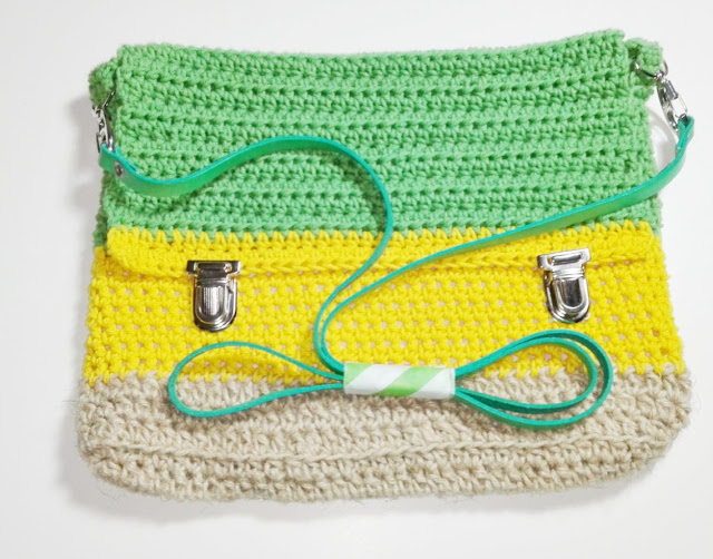 bolso-de-ganchillo-verde-amarillo