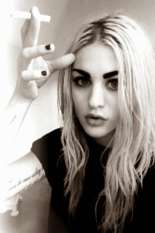 ItsCool2bTrue: Style Icon: Frances Bean Cobain