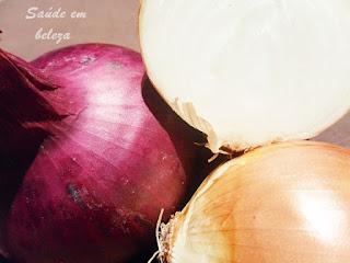 Cabelos mais fortes e saudáveis com cebola