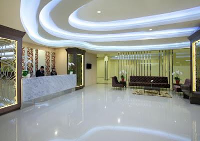 Lobby Hotel Santika Depok