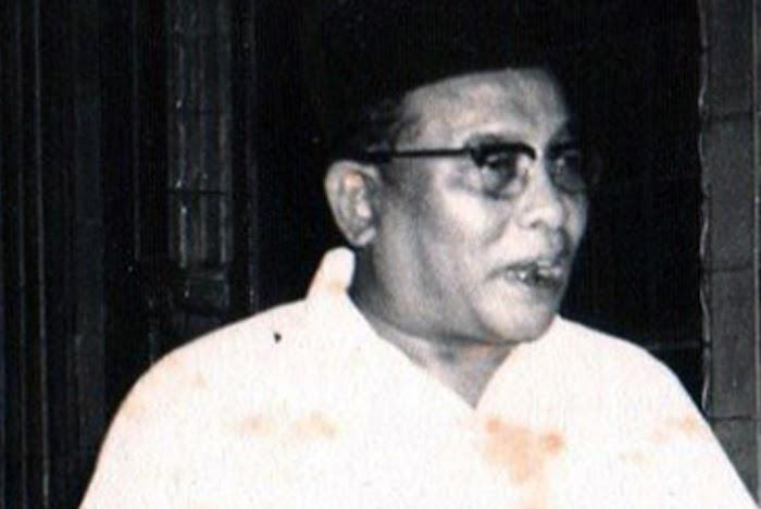 Mengenal Sosok KH. Bisri Mustofa, Pengarang Tafsir Al-Quran Berbahasa Jawa