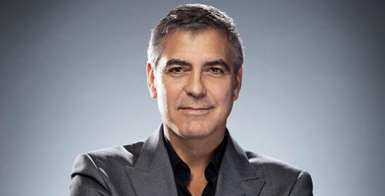 George Cloony afeitado.