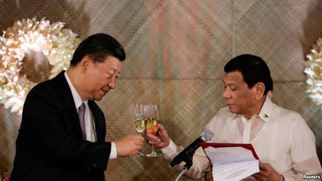 Chủ tịch Trung Quốc và Tổng thống Philippines ở Manila hôm 20/11