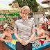 Prepara a Pipoca e Liga o Netflix: descubra o porquê deve assistir 'Please Like Me'