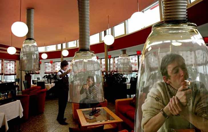 smoking-room-japan