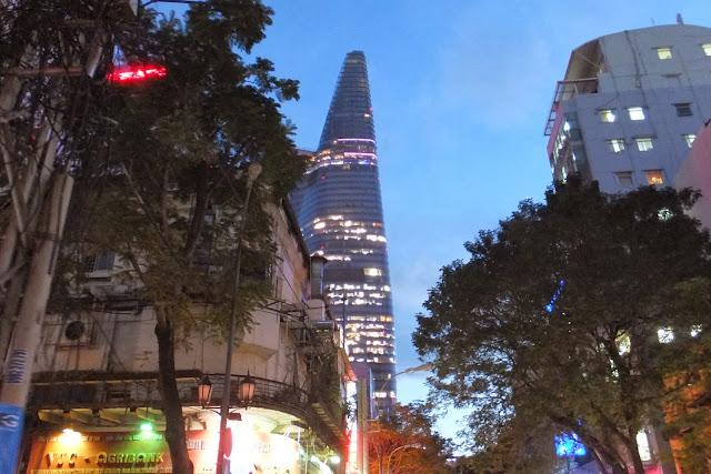 Bitexco-Financial-Tower ビテクスコフィナンシャルタワー