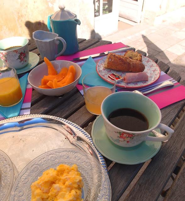 frukost på slott i Frankrike