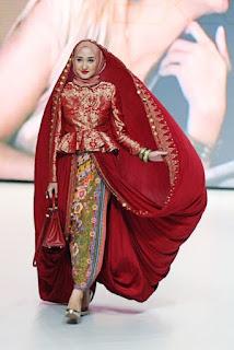 Gaun Batik Muslim Modern