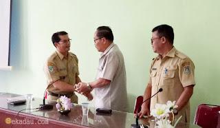 Sekretaris Daerah Kabupaten Sekadau Drs. Yohanes Jhon, MM tepat tanggal 1 Maret 2017 pekan lalu telah memasuki masa pensiun ata