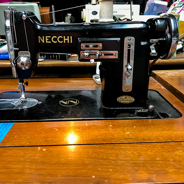 Necchi BU Vintage Sewing Machines - The Quilting Room with Mel on