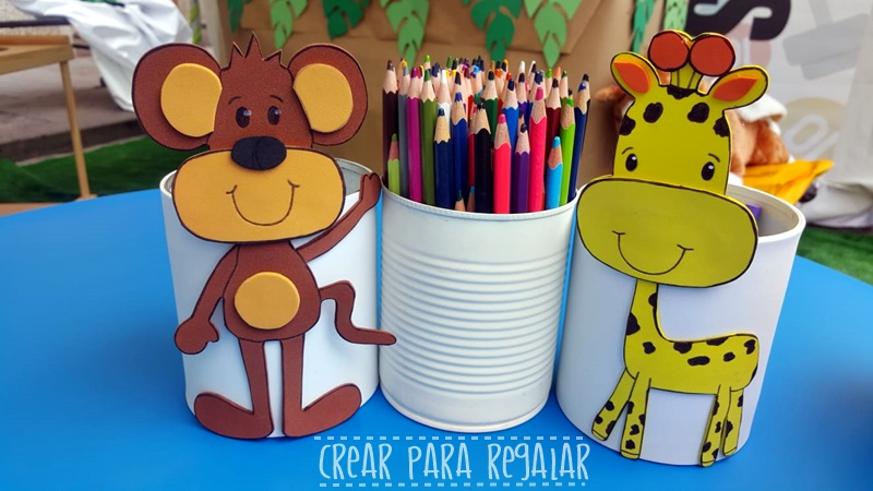 papeleras de mesas para hacer manualidades con los niños