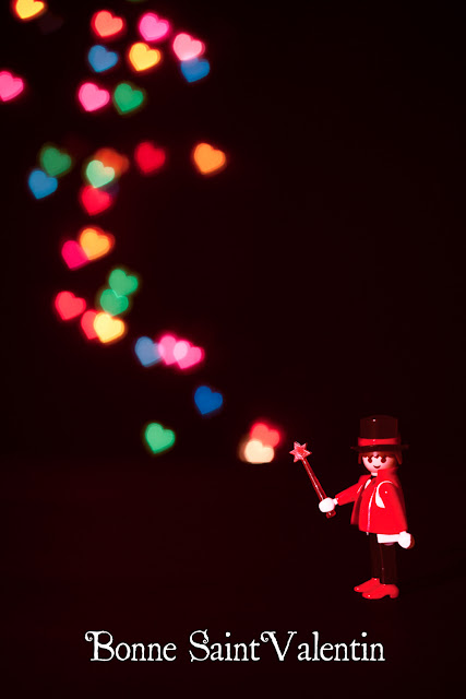 Bokeh de coeurs avec Bill le Playmobil