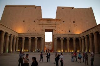 6. Kuil Edfu