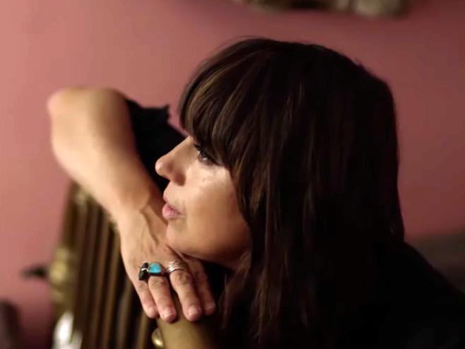 Cat Power mostra a intimidade do amor entre amigos e família no belo clipe 'Horizon'