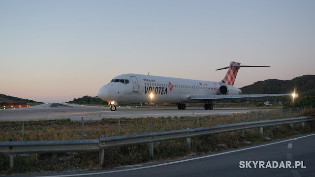Boein 717 - EI-FBJ