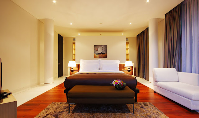 Photo of another modern bedroom in Phuket modern villa