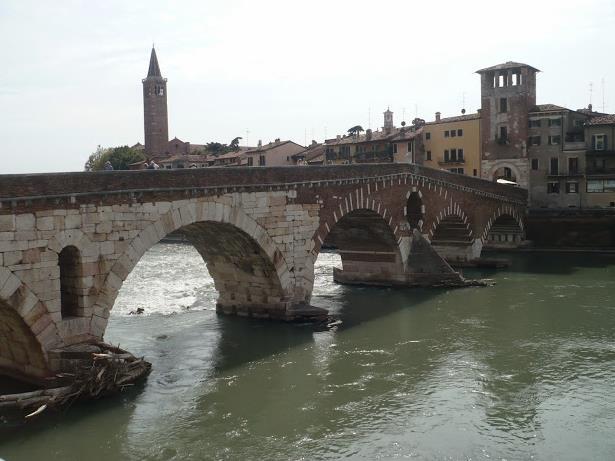 Ponte di Pietra a Verona