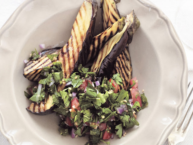 This vegetarian Middle Eastern dish takes just Tabouli with char-grilled eggplant recipe