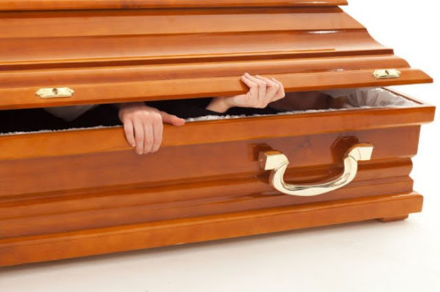 A Woman Shocks Everyone After She Wakes Up At Her Own Funeral! The Next Thing That Happened Was Quite Unexpected!