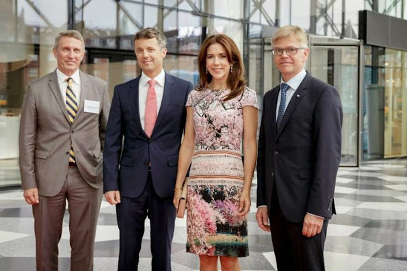 Crown Prince Frederik and Crown Princess Mary attended a dinner at the Confederation of Danish Industry in Copenhagen