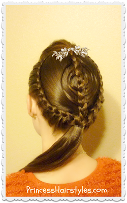 Cute Christmas hairstyle, braided ornament tutorial.