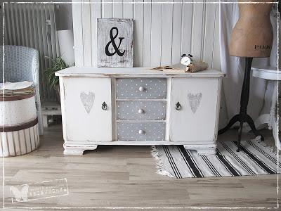 arredamento stile shabby chic arredare interni ed esterni della casa shabby chic moderno. Black Bedroom Furniture Sets. Home Design Ideas