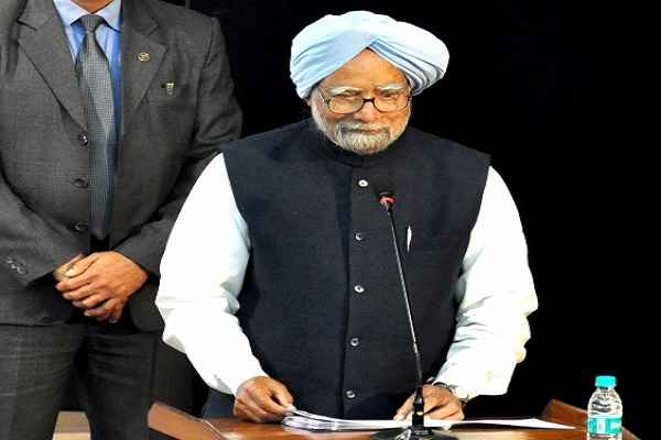 manmohan-singh-told-freedom-of-expression-in-danger