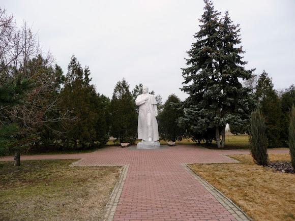 Белгород-Днестровский. Памятник Т. Г. Шевченко