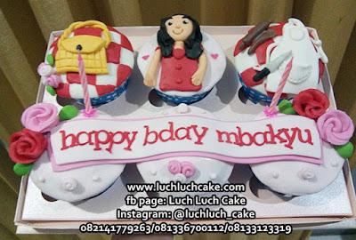 Cupcake Ulang Tahun Untuk Ibu Rumah Tangga