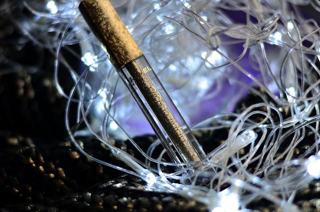 Макияж для встречи нового 2019 года.  Глиттерные тени Lamel liquid gold  свотчи макияж отзыв Бюджетный аналог  Stilla  Magnificent Metals Glitter & Glow Liquid Eye Shadow