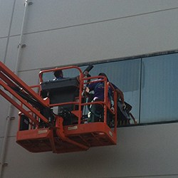 Orange County Commercial Window Cleaning Experts at Stanley Window Care want to help keep your building looking clean. We have all the proper equipment to reach high windows and have more than 15 years experience in window cleaning. We service the entire Orange County CA and will always have a manager on site.