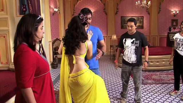 In Saree Tamanna In Himmatwala: Tamanna - Hot Navel Show
