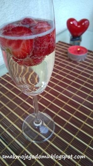 Truskawki z szampanem
