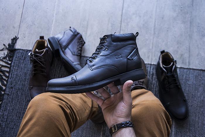 a22969a1a O Coturno Masculino Virage é fabricado em Couro Natural de ótima qualidade!  Uma construção que privilegia o conforto e a facilidade do calce com  materiais ...