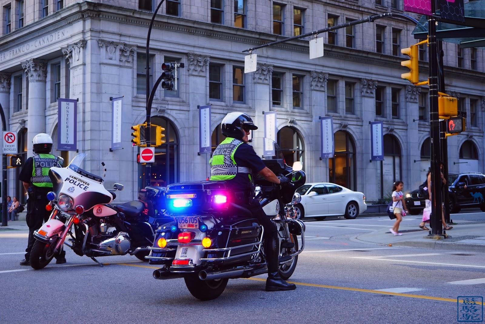 Le Chameau Bleu - Policiers de Vancouver