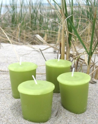 green decorating with candles