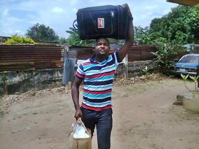 Igbo Man Packs Belongings, Moves Out of Kaduna Following Northern Group's Ultimatum (Photos)