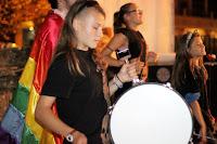 http://musicaengalego.blogspot.com.es/2015/10/fotos-as-xinetas-e-palmira-no-festival.html