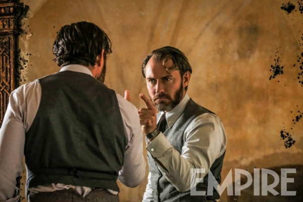 Джъд Лоу като Дъмбълдор във Фантастични животни: Престъпленията на Гринделвалд