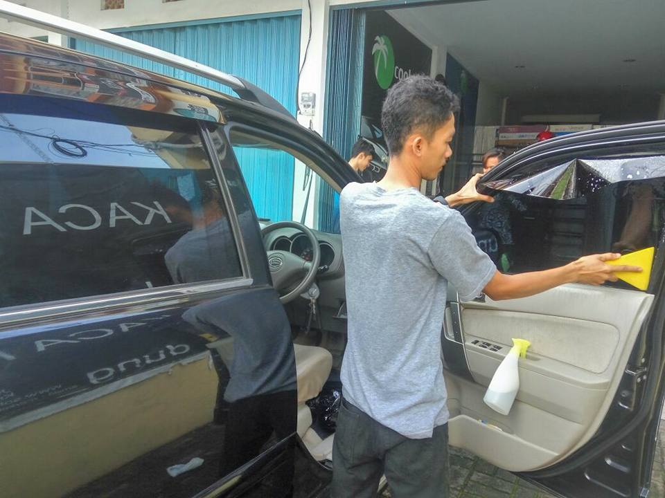 jasa pasang kaca film V-Kool untuk mobil Honda Jazz