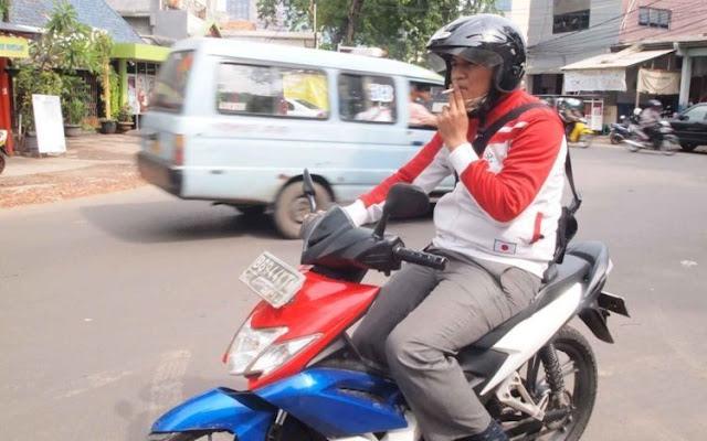 Pihak Kepolisian Tak Main-main Perketat, Nekat Merokok Sambil Berkendara 750 Ribu Melayang