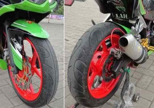 Ban Batlax Lebar Dan Kaki kaki Kekar - Cara Modifikasi Kawasaki Ninja 250 Karburator Biar Tambah Racing dan Kekar Gaya MotoSport Gede